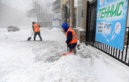 Snow blizzard hits Urals