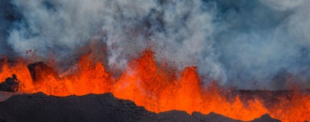 iceland-volcano-eruption-guardian