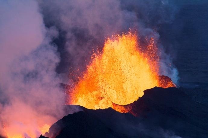 690x460xeruption_holuhraun_lava_eruption_02.jpg,qitok=CKmWSDXD.pagespeed.ic.b0xs0K4h0y