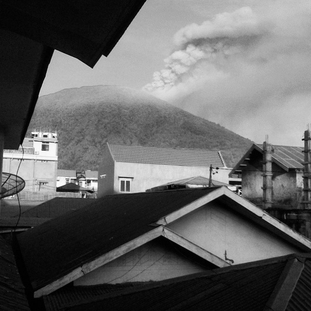 vulcano-Gamalama-indonesia14